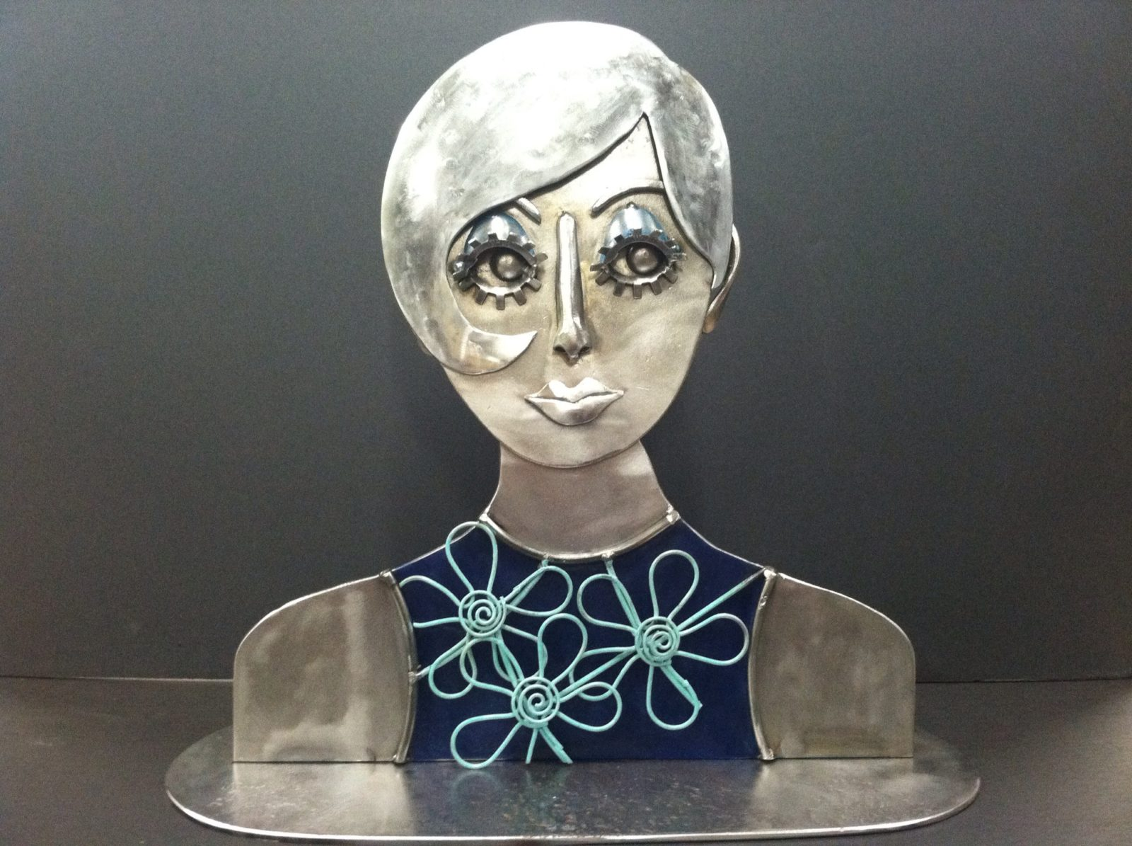 Twiggy Metal sculpture of a lady